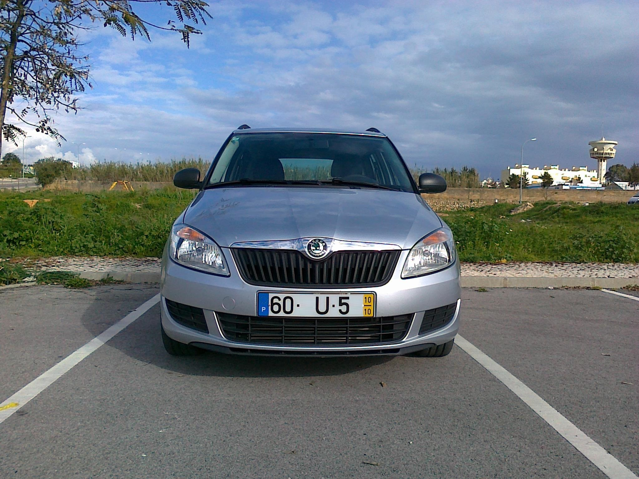 skoda fabia break 1 6 tdi 5 seats resolvcar rent a car. Black Bedroom Furniture Sets. Home Design Ideas